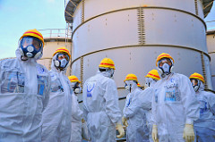 Fukushima1_Water-Storage-Tanks.jpg / Flickr