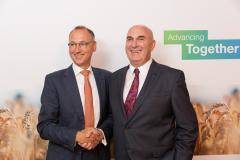 Monsanto-Bayer-CEOs-Agreement.jpg