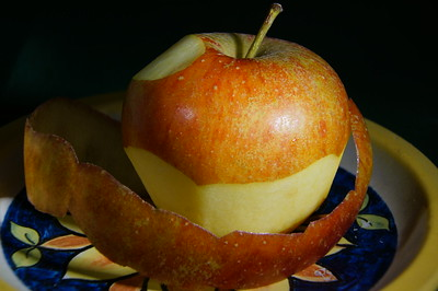 apple_peel.jpg / Flickr